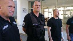 Ранени полицаи: До последно полагахме усилие да не използваме физическа сила