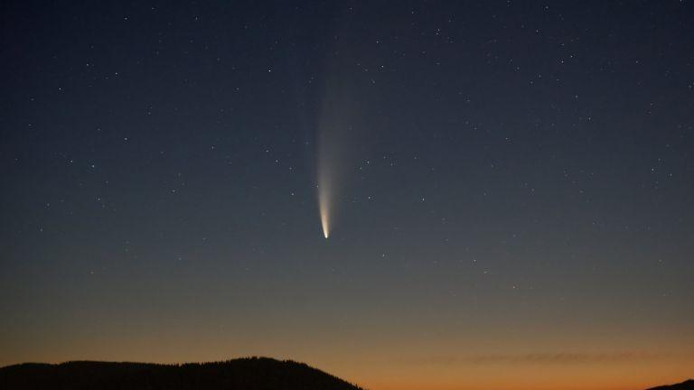 Как да видим една от най-ярките комети в небето над България