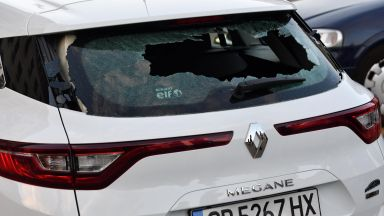 72 часа арест за мъжа, счупил стъкло на кола по време на протеста