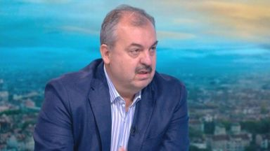 Любчо Нешков: Северна Македония избира между реставрацията и нормалността