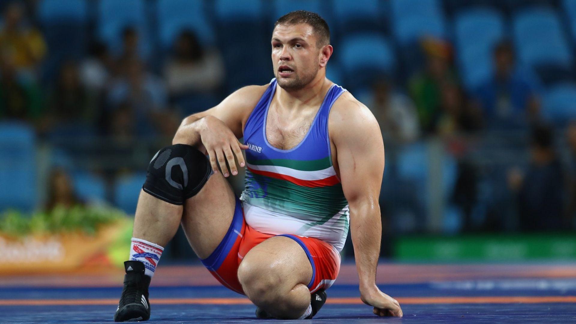Двама борци станаха олимпийски шампиони с 8 години закъснение