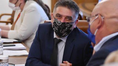 След статуса за Спондж Боб: Данаил Кирилов със забрана за постване във Фейсбук