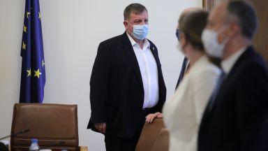 Според Каракачанов има два варианта за политическата ситуация