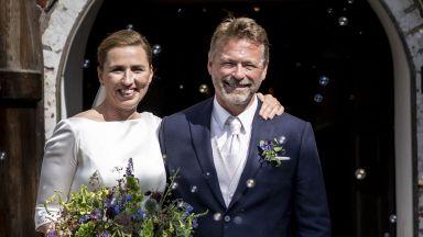 Датската премиерка успя да се омъжи от третия опит (снимки)