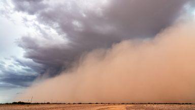 Русия - в плен на 40-градусови рекордни горещини и прашни бури