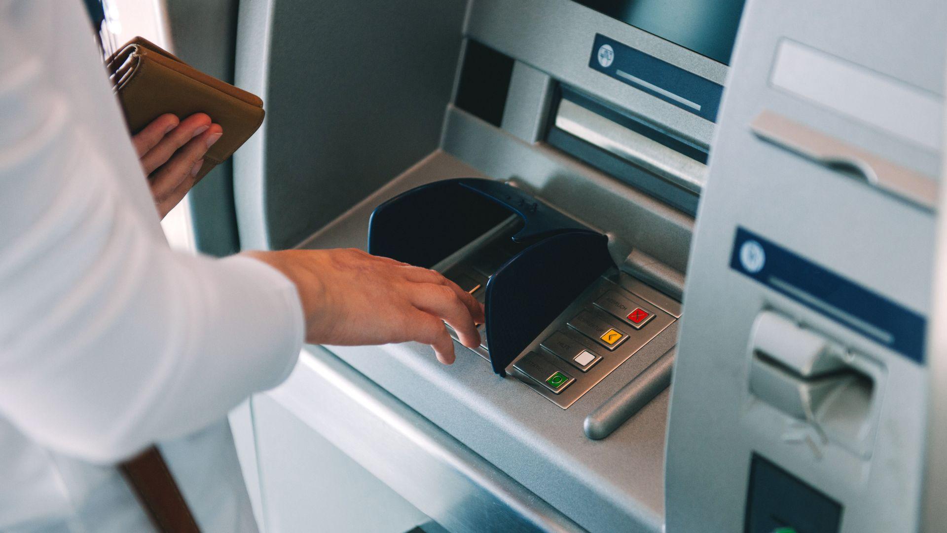 Обявиха деветте банки, готови да отпускат антикризисни кредити с гаранции от Фонда на фондовете