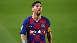 Барселона дължи към € 200 милиона на други клубове и на теория е застрашен от фалит
