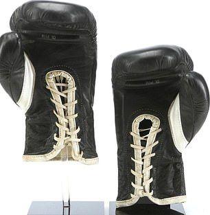 ръкавиците на Роки