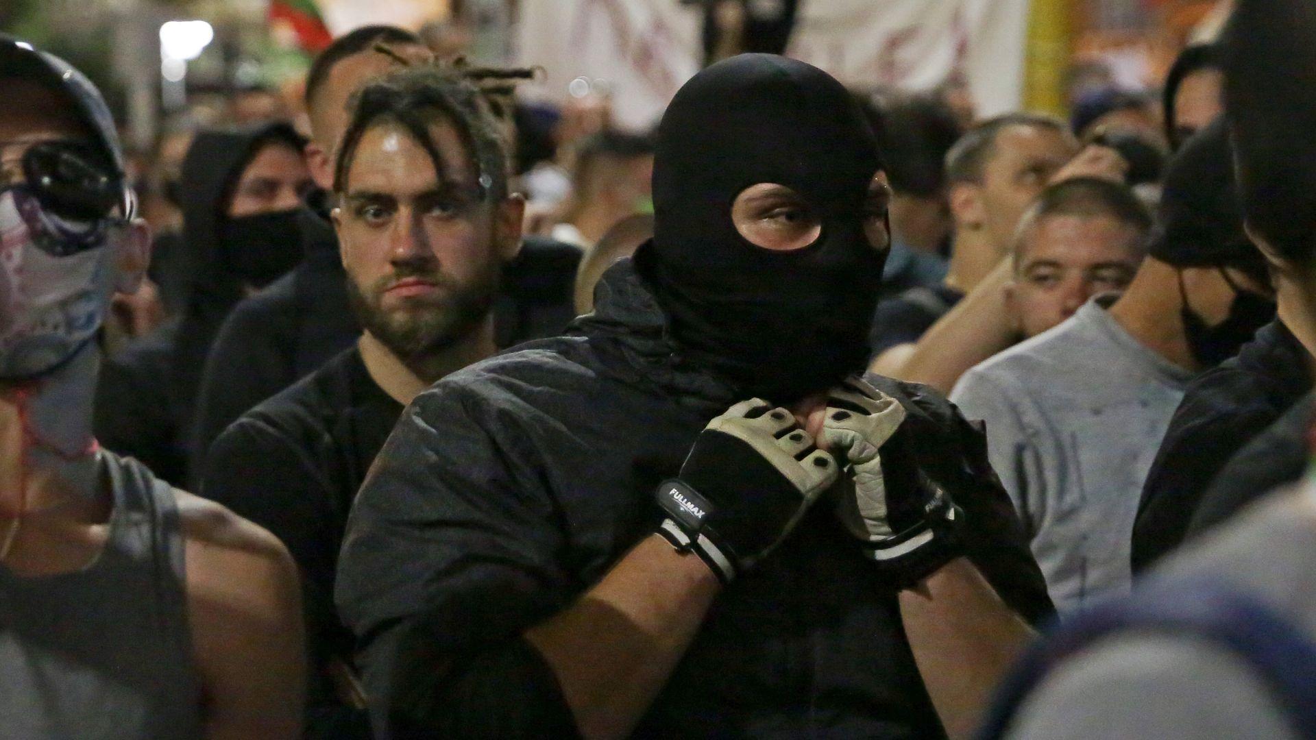 Осем арестувани на протеста в четвъртък - с ножове, боксове и наркотици