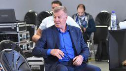 Левски подкрепи Михайлов минути преди конгреса