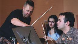 """""""Кантус Фирмус"""" дари нотен материал, събиран над 20 години, на Националното музикално училище в София"""