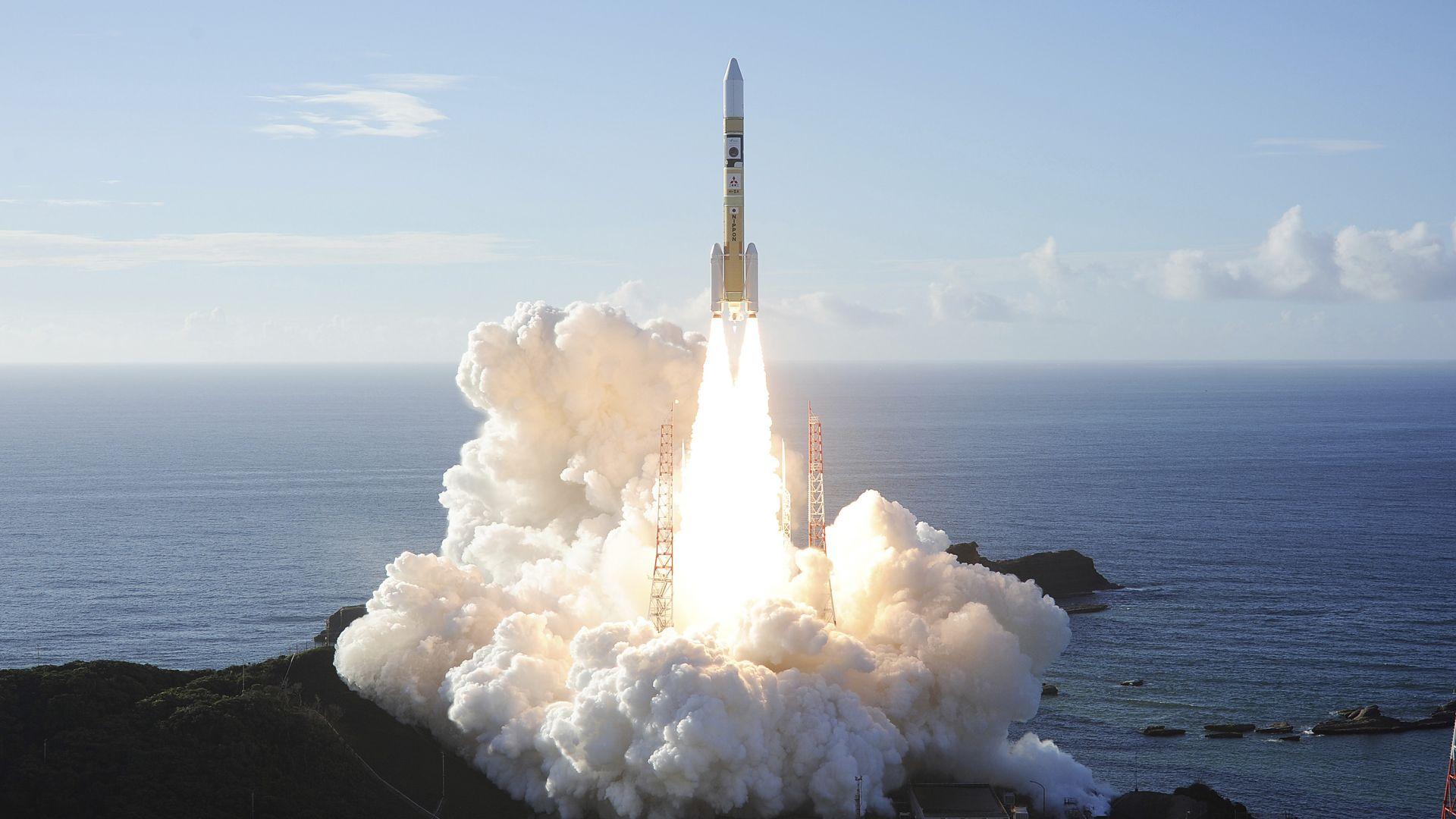Космическа сонда на ОАЕ започна пътуването си до Марс (снимки)