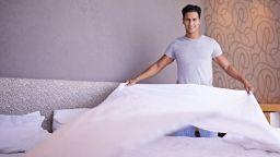 Половината мъже си признават, че се справят зле с домакинската работа