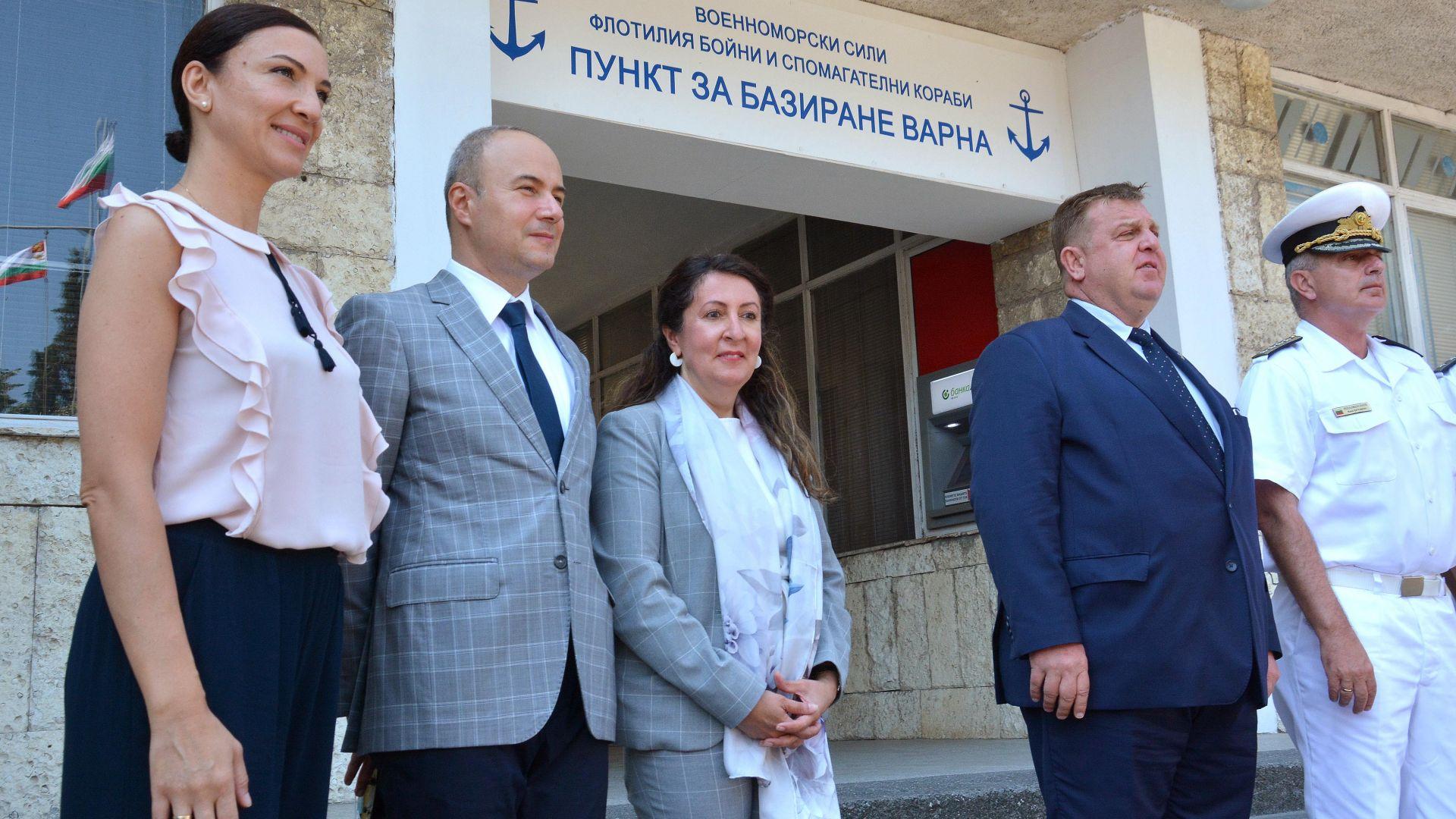 Каракачанов след военно събитие с Херо Мустафа: За промени в кабинета ще говорим след вота