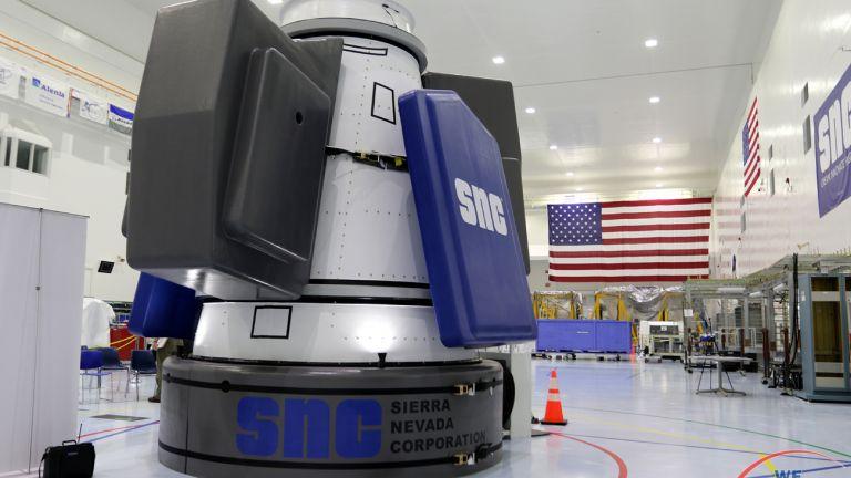 Пентагонът ще има собствена космическа станция