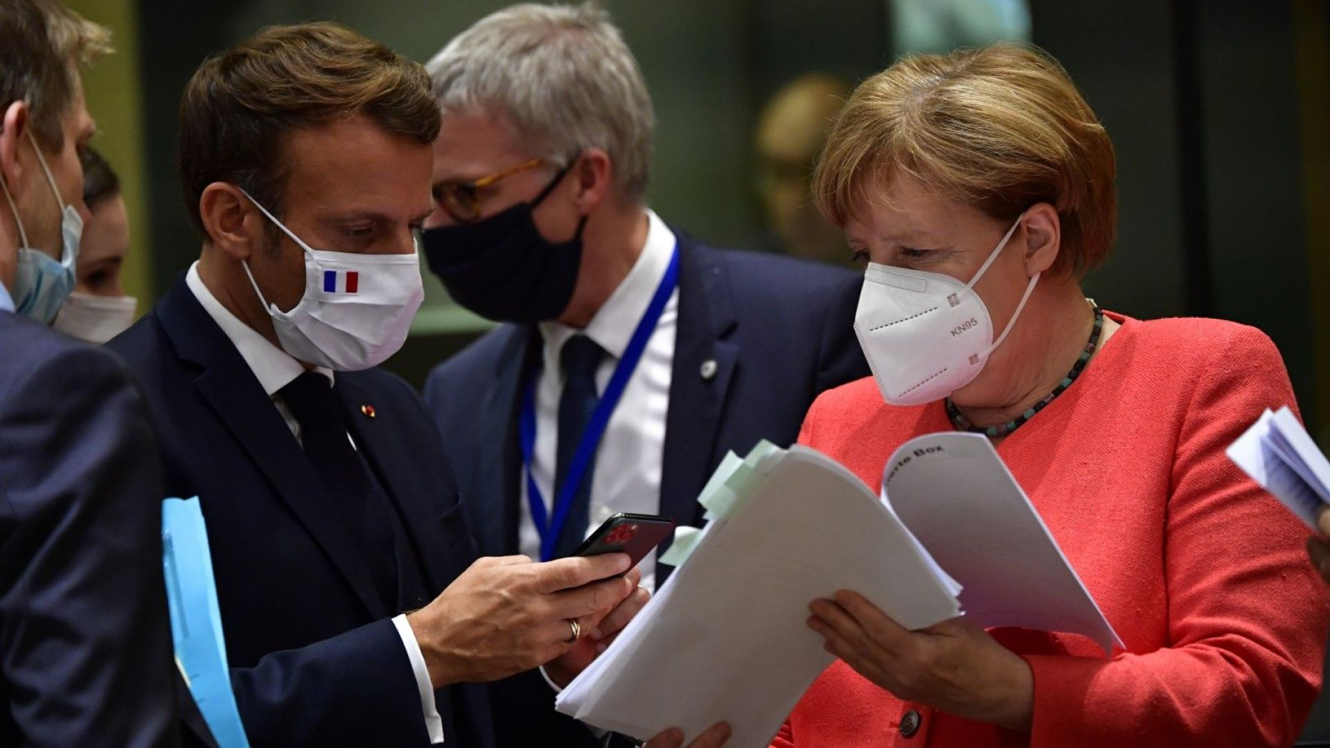 Сделка! Евролидерите стигнаха до €1.82 трлн. за бюджет и възстановяване