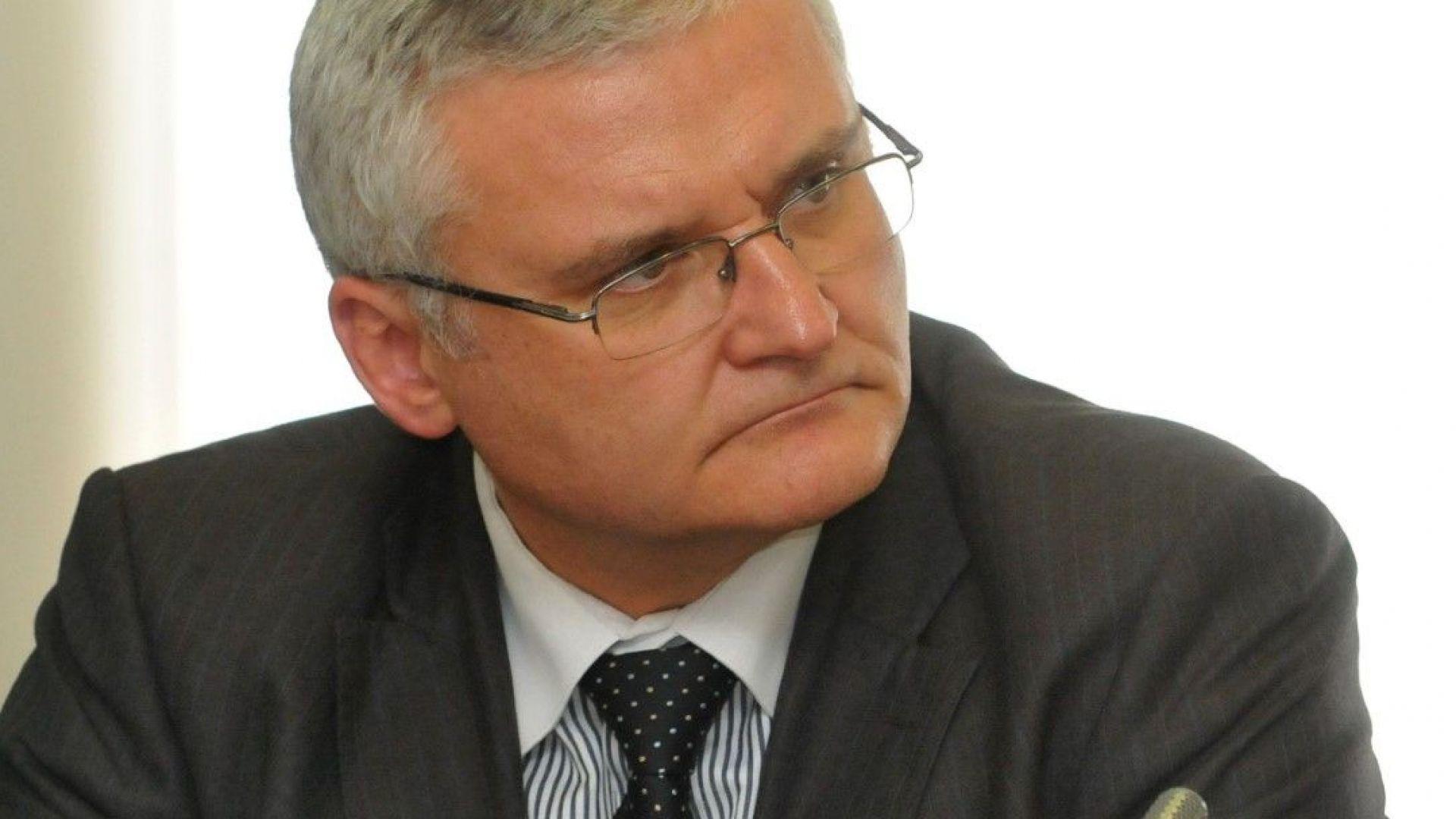 Минчо Спасов: Не съм хулиган, а пацифист - изразявам неуважение към управляващите, а не към обществото