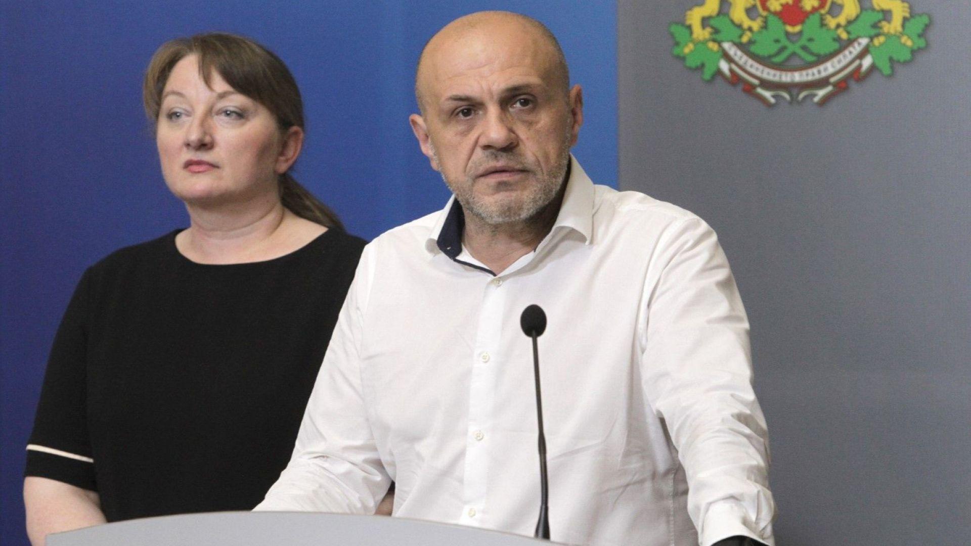 """""""Скверна технология за политически дивиденти"""": Дончев и Сачева контраатакуваха президента"""