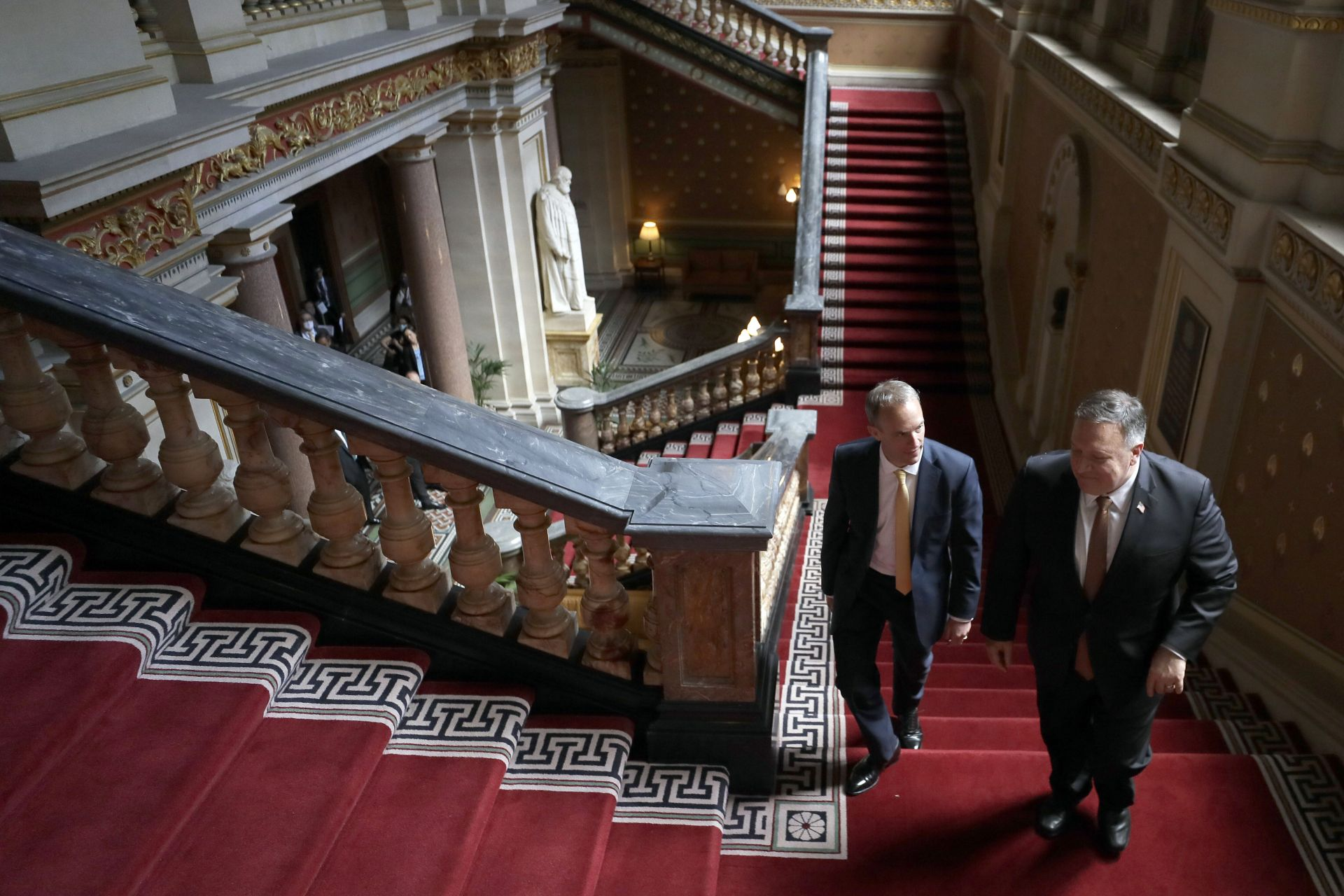 Доминик Рааб посрещна високия гост в Министерството на външните работи