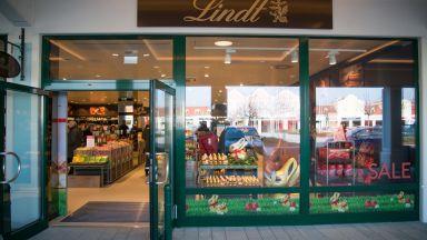 Шоколадовият гигант Lindt със срив в продажбите