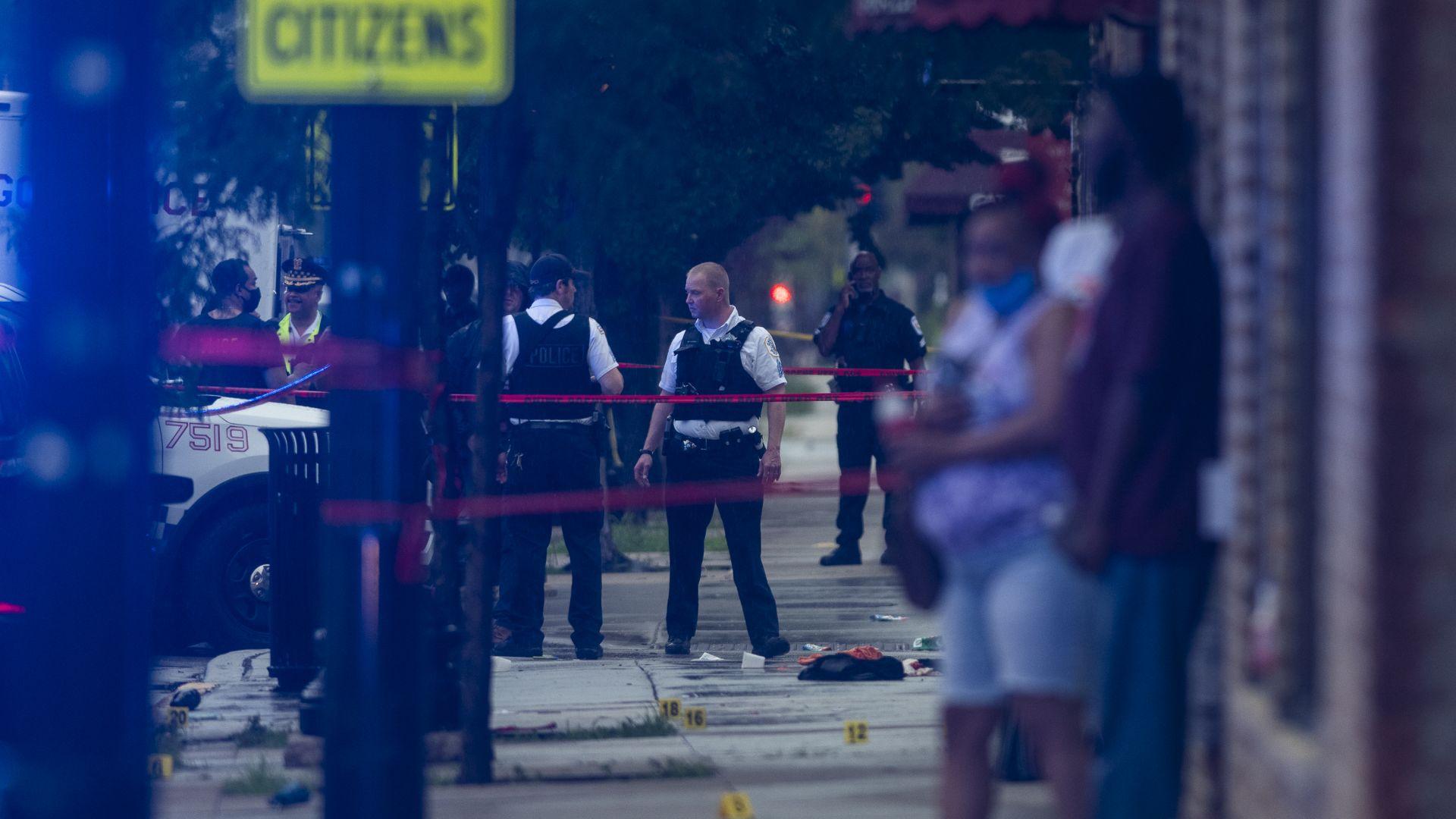Кървава вендета при погребение в Чикаго (снимки и видео)