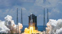 И Китай изстреля космически апарат към Марс (снимки)
