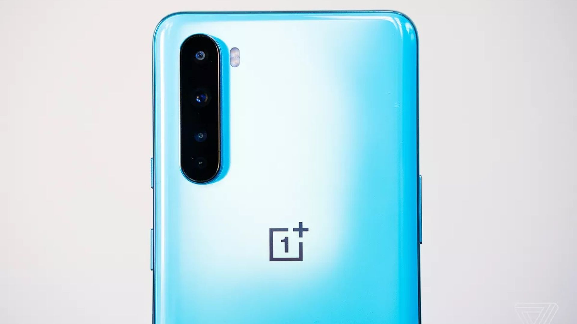 OnePlus представи флагмана на средния клас – Nord 5G