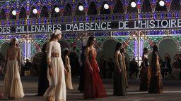 Dior с колекция с традиционни италиански мотиви в спектакъл на живо