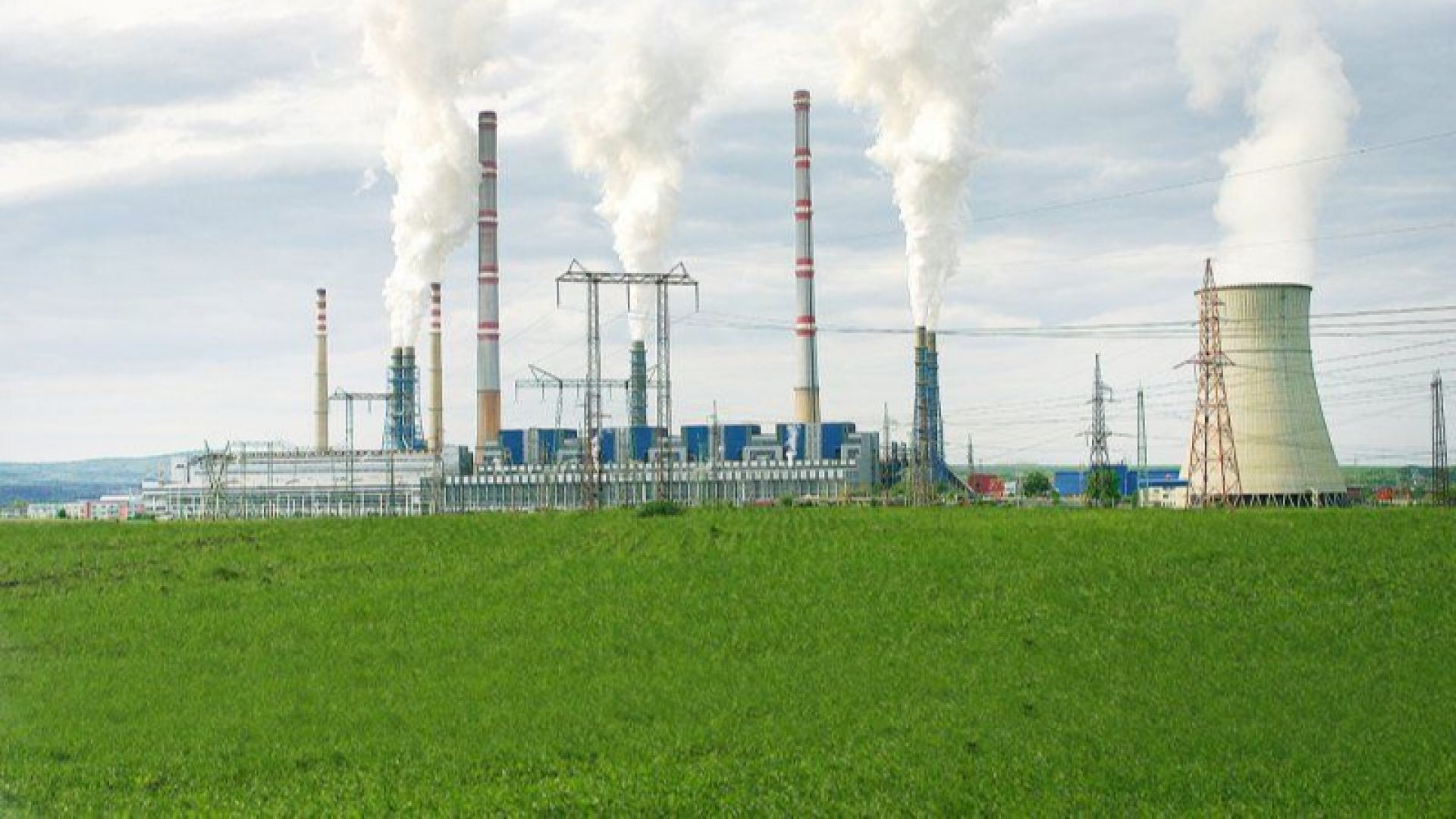 """Планът """"Пеканов"""" залага на газова централа от 1 GW в ТЕЦ """"Марица Изток 2"""" и на ВЕИ бум"""