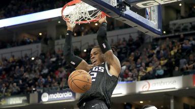 Играч от NBA изкара 10-дневна карантина заради пилешки крилца
