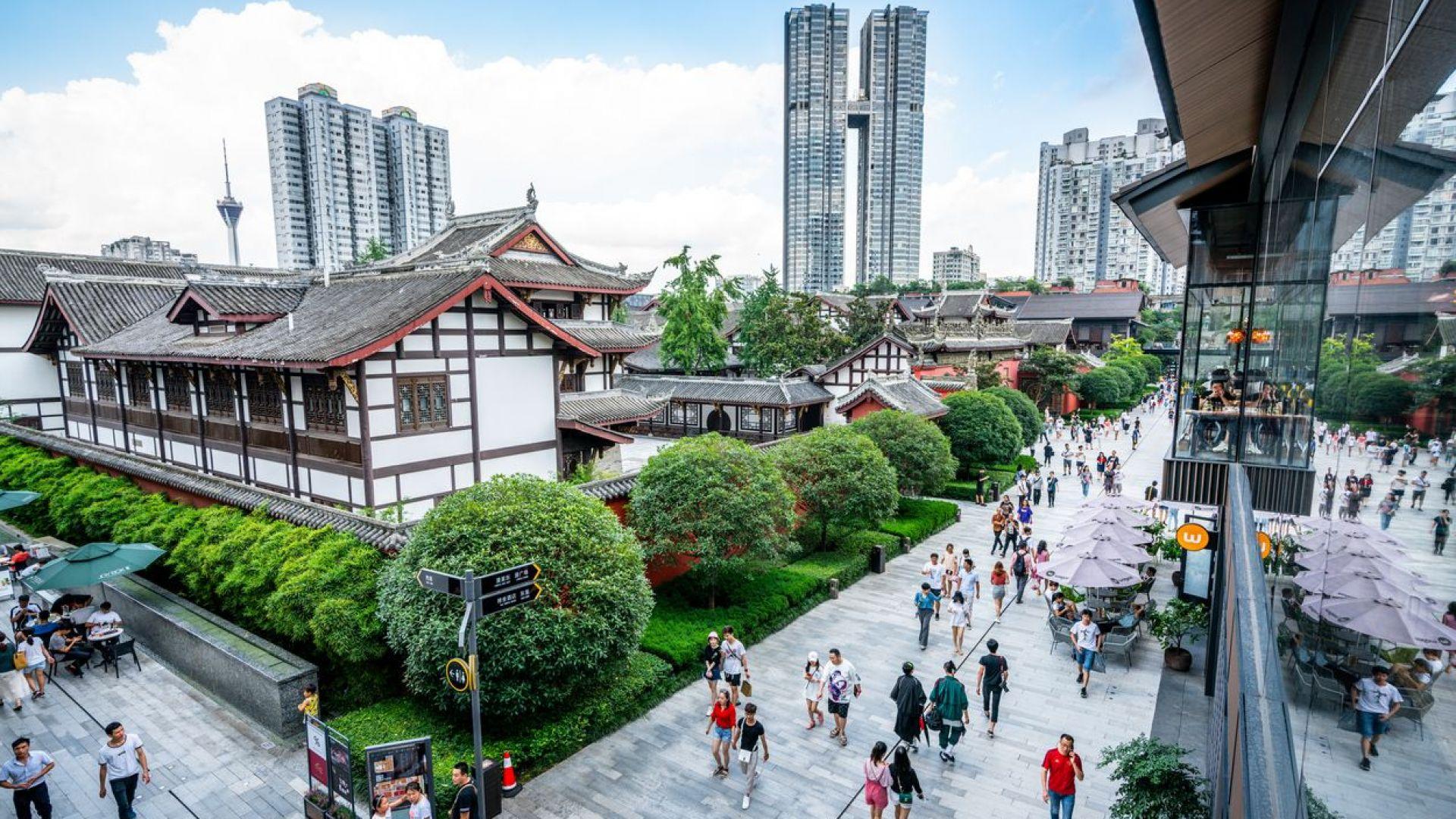 Пекин отвръща на удара - затваря консулството на САЩ в голям китайски град
