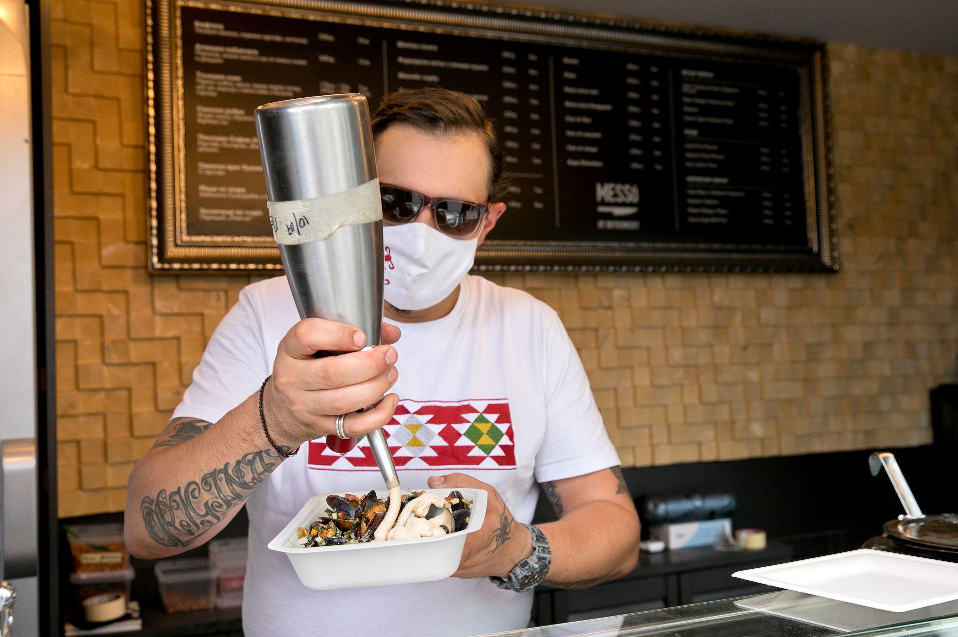 """Миди с таен сос Поредицата """"На чаша вино с..."""" е специален проект на #URBN.dir.bg u вино Pixels!"""