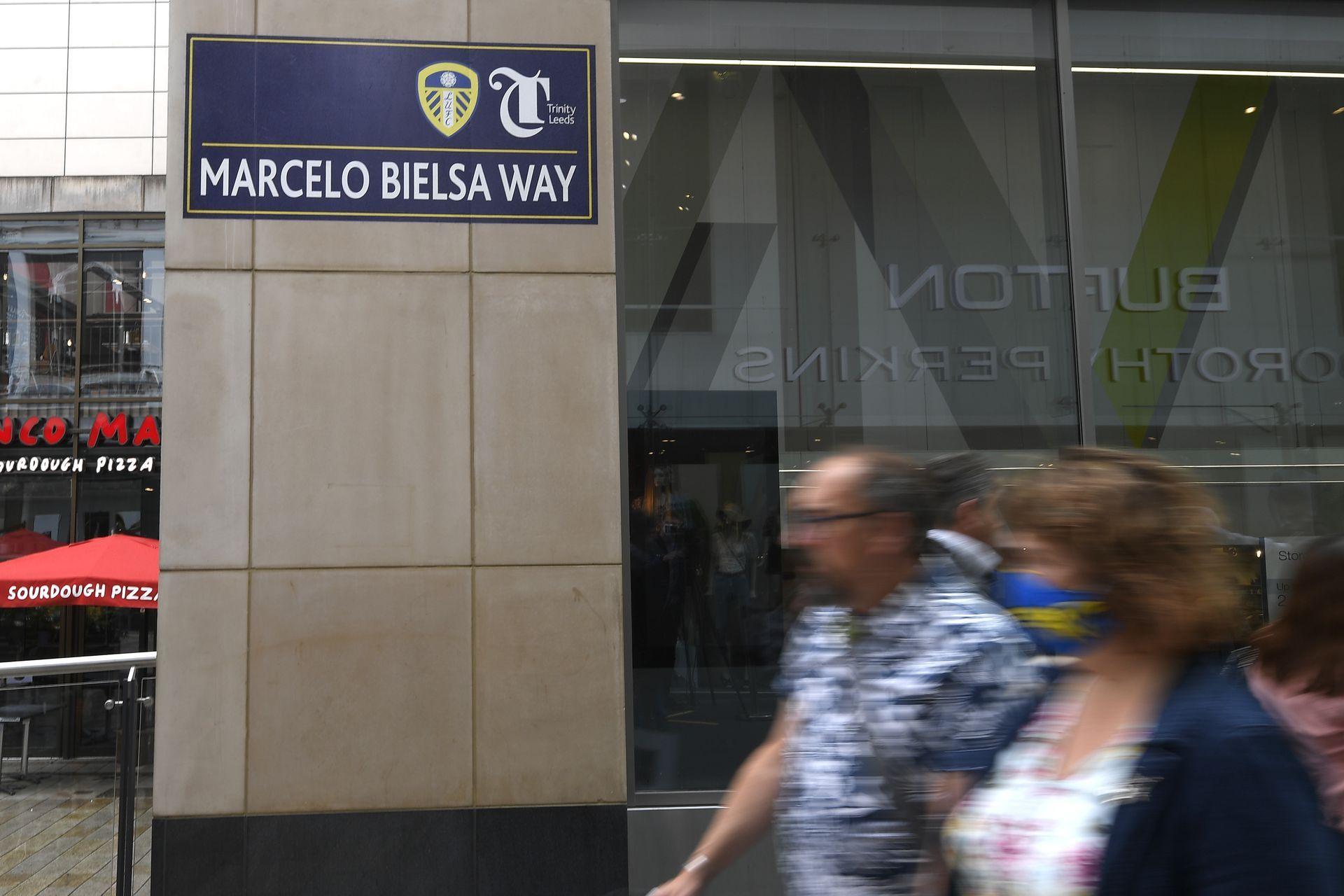 """Улица в град Лийдс вече носи неговото име - """"Марсело Биелса"""""""