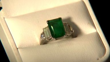 108 000 долара за годежния пръстен, подарен на Катрин Хепбърн от Хауърд Хюз