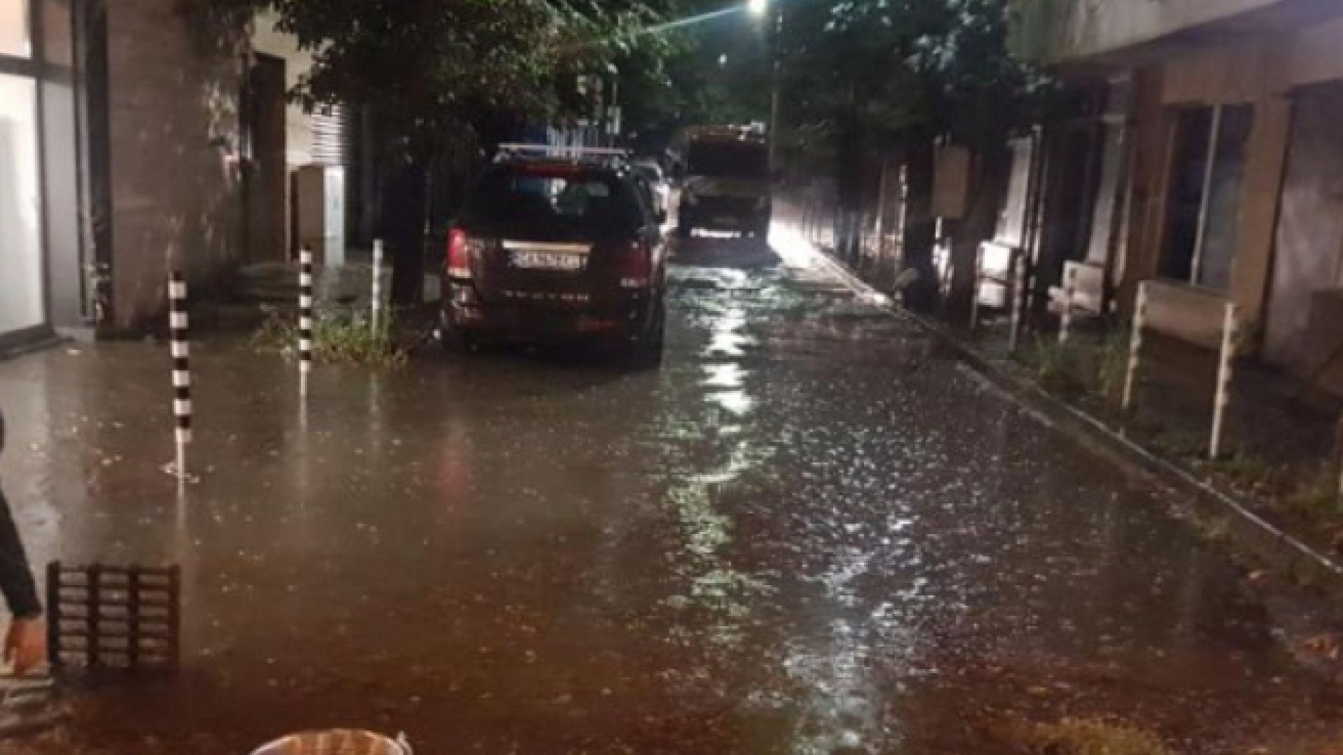 Аварийните екипи са реагирали на 36 сигнала след потопа в София