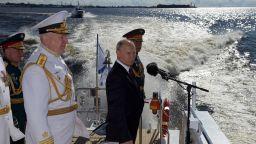 Путин похвали Руския военноморски флот на неговия празник (снимки, видео)