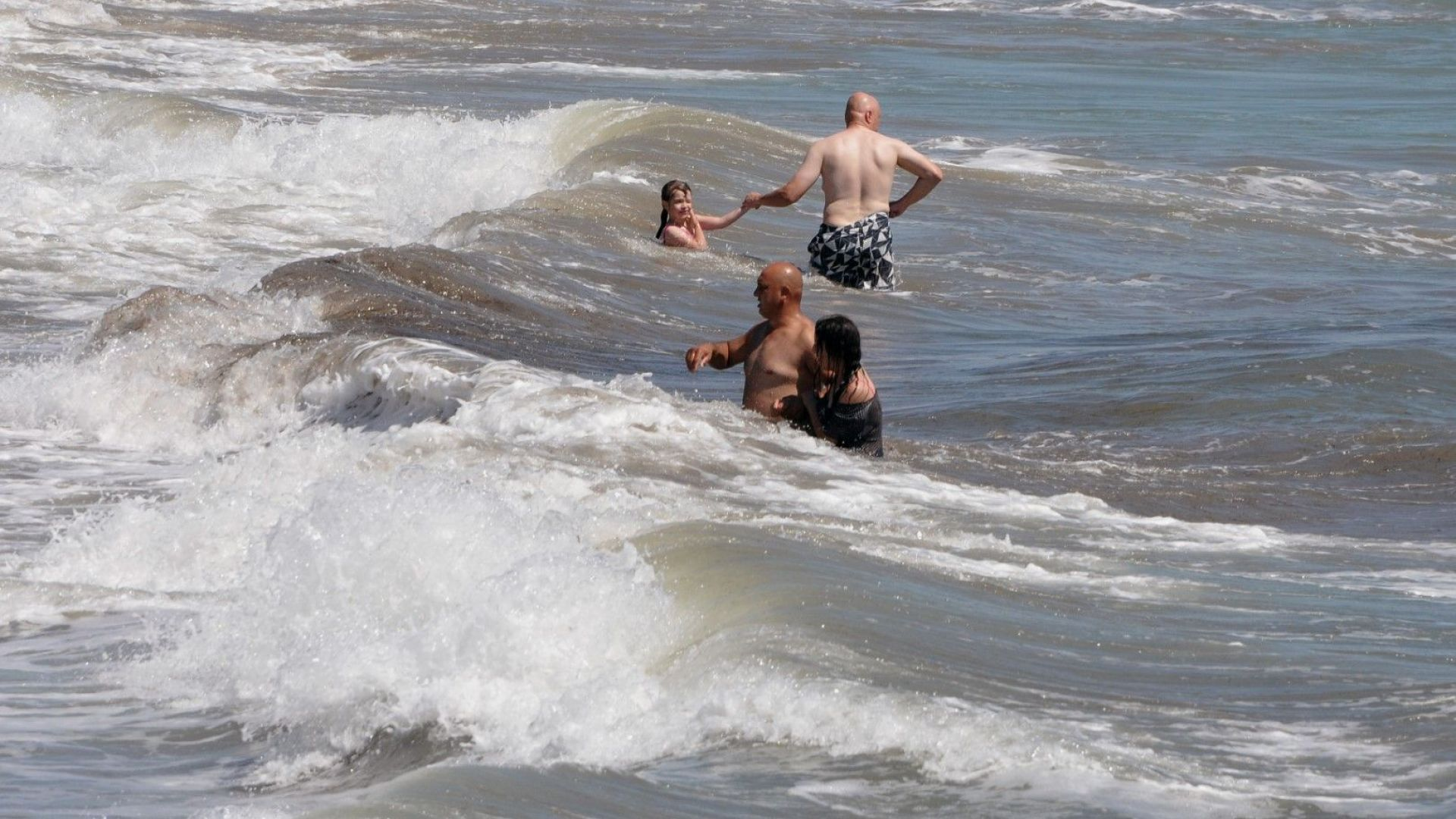 Спасител: Тази година морето е много опасно