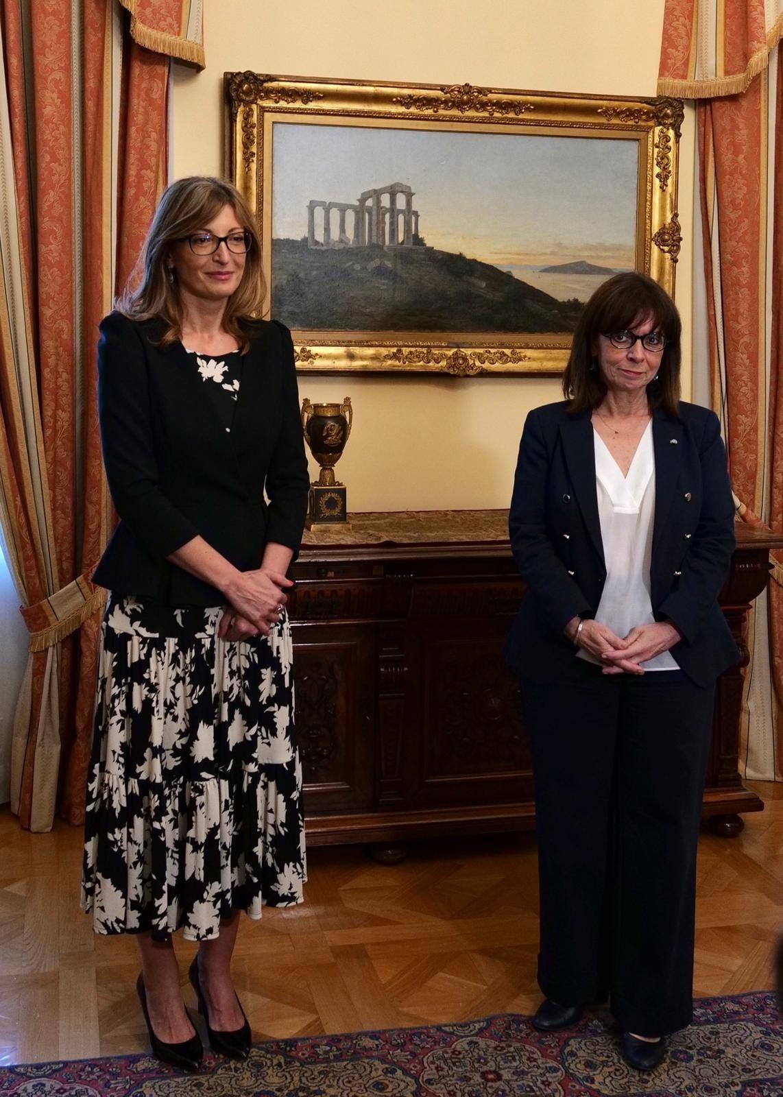 Екатерина Захариева потвърди стратегическото партньорство между двете държави и по време на срещата си с президента на Гърция Катерина Сакеларопулу
