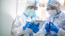 Потвърдените случаи на коронавирус преминаха прага от 20 милиона