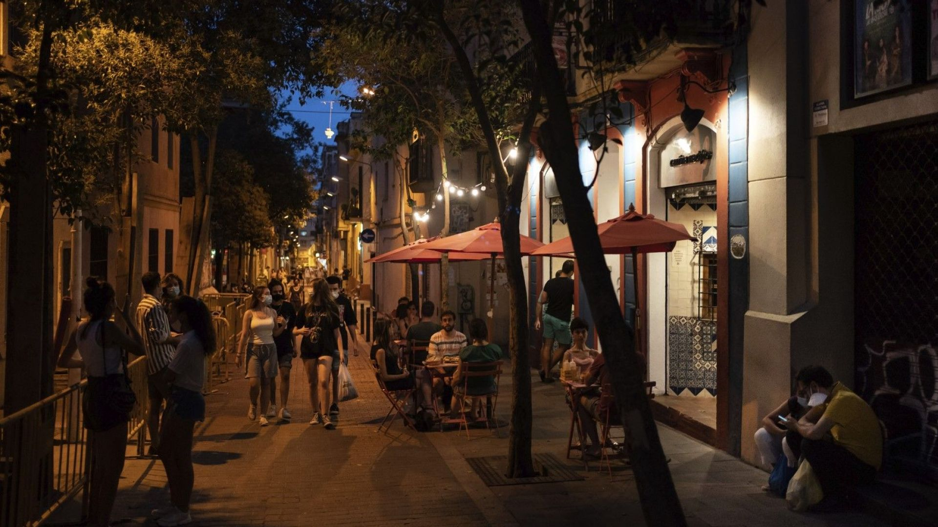 Каталунските младежи са изправени пред огромни глоби, ако пият на открито
