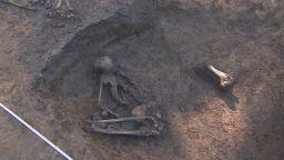 Откриха скелети на 8000 г. в неолитното селище в Слатина
