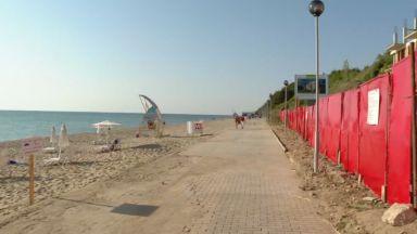 Спират още една подпорна стена - на плажа в Обзор