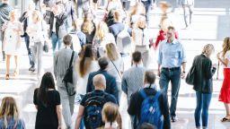 """КТ """"Подкрепа"""" настоява всички служители да получат 30% към заплатите"""