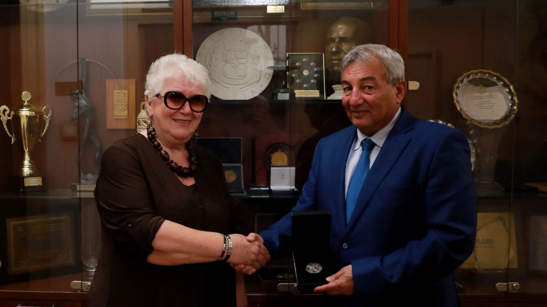 БОК награди за заслуги към спорта Анатоли Илиев дни преди 60-ия му юбилей