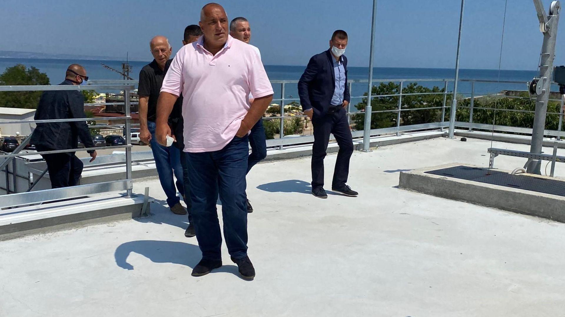 Бойко Борисов: Във Варненско морето е на 100% идeално за къпане (снимки)