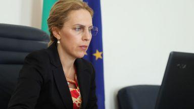Спешна среща на Марияна Николова с германските туроператори у нас