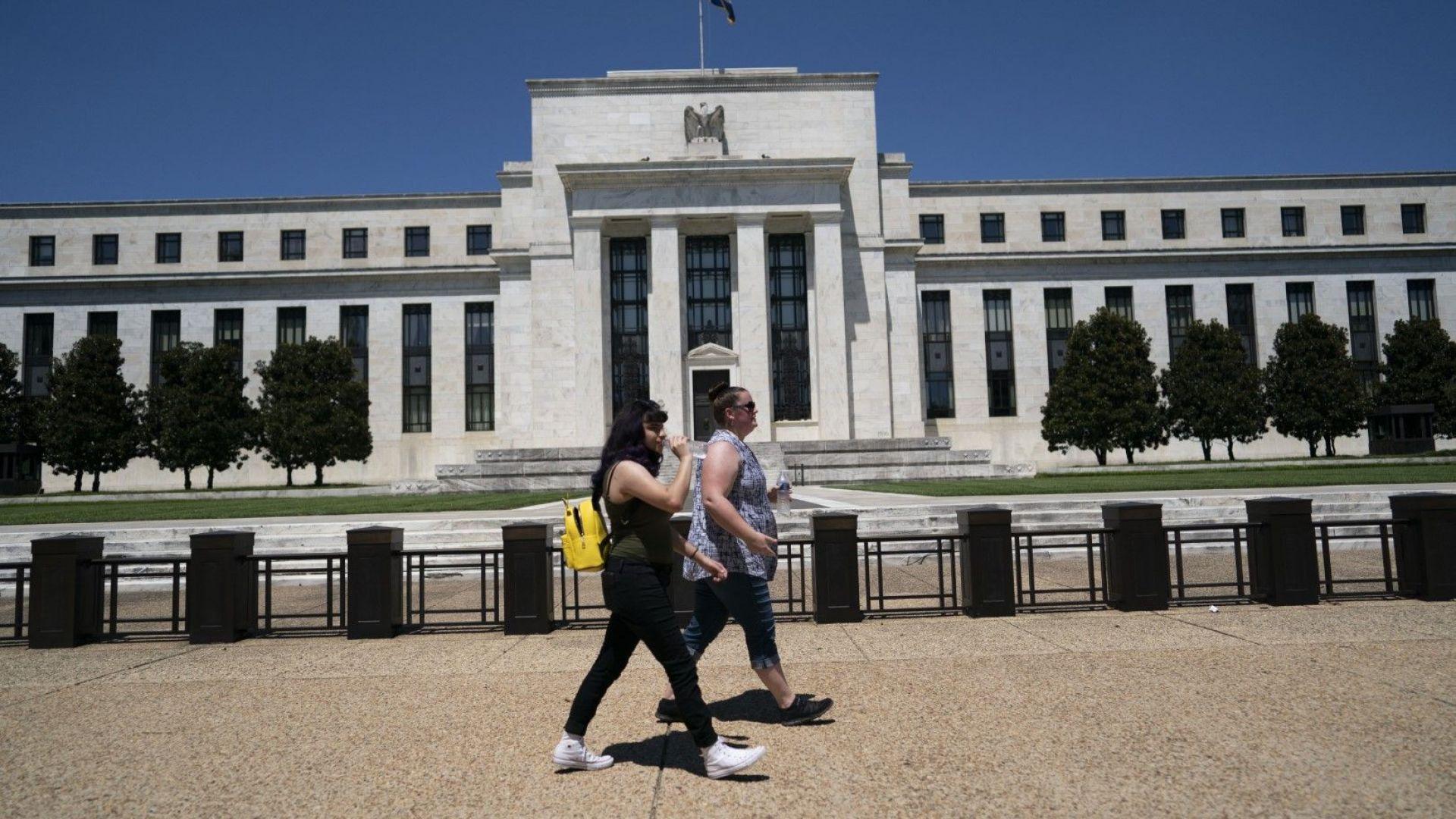 Бюджетният дефицит на САЩ достигна $3 трлн.: докъде ще стигне федералният дълг