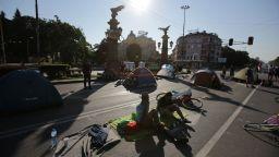 Надига се фронт срещу протестиращите и блокадите