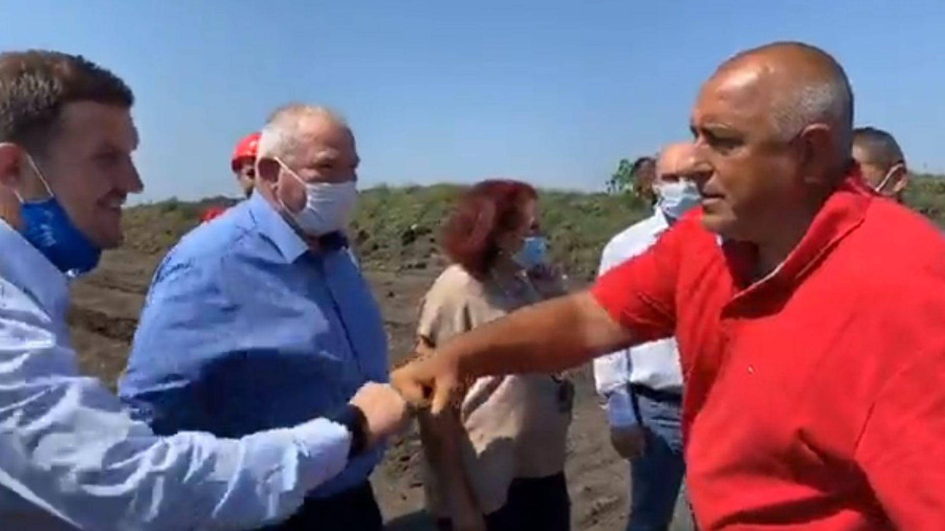 Борисов от джипа: Всички против диверсификацията призовават за оставка (видео)