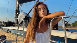 Саня Борисова на разходка с лодка по нашето Черноморие
